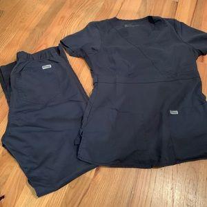 Grey's Anatomy Other - Greys Anatomy scrub set size SMALL